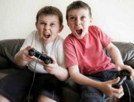 Aggressività giovanile e violenza nei videogiochi e film